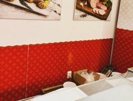 Печать на плёнке и накатка изображений на стены, брендирование г. Томск