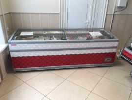 Брендирование холодильного оборудования плёнкой в Томске - Зонд реклама