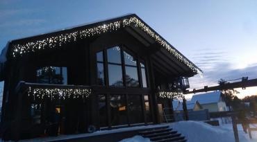 Новогоднее оформление светодиодными гирляндами (коттеджи, фасады зданий, интерьеры, деревья и т.д.) гирлянды-томск.рф
